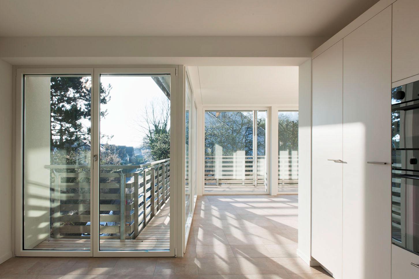 bodentiefe fenster f r mehr licht und atmosph re. Black Bedroom Furniture Sets. Home Design Ideas