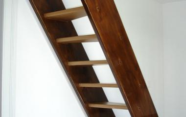 Holzverkleidungen Böden und Treppen