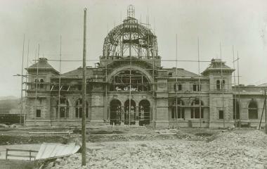 Bau des zweiten Bahnhofs mit Kuppel um 1895