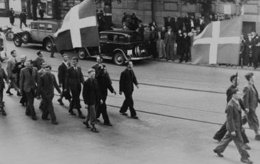 1934 Frontisten aus der ganzen Schweiz marschieren durch Luzern