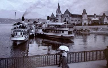 Friedensmuseum im Rollerpalast hinter neuer Schiffslände um 1900