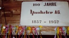 Schild zur Feier des 100-jährigen Jubiläums?